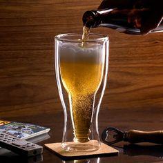 Hopside Down Bierglas  ''Nooit meer de keuze tussen glas of flesje'' Als je de Hopside Down Bierglasvoor het eerst ziet, zul je ervan ove...