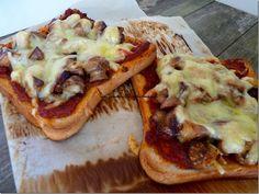 Pizza pain de mie : quand j'ai pas le temps de faire ma pâte il faudra que j'y pense ...