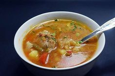 Supe, Thai Red Curry, Food And Drink, Ethnic Recipes, Romania, Dinners, Eating Well, Dinner Parties, Suppers