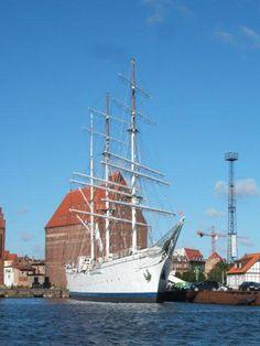 Segelschulschiff GORCH FOCK im Stralsund