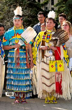 Cree (First Nations) women in Jingle dress regalia, Regina, Saskatchewan - Photo by Tim Graham Native American Women, American Indian Art, Native American Indians, Cree Indians, Powwow Regalia, Jingle Dress, Indian People, Native Indian, Native Art