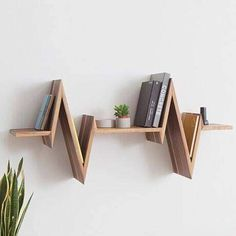 Home Decor Budget, Home Decor on a budget, Home Decor ideas, Home Decor Wandregal- und Bücher Bookshelf Design, Wall Shelves Design, Shelf Wall, Baby Bookshelf, Unique Wall Shelves, Floating Wall Shelves, Hanging Shelves, Bookcase, Home Room Design