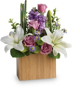 Order Kissed With Bliss by Teleflora Kissed With Bliss by Teleflora from Sunshine Floral, your local La Crosse florist. For fresh and fast flower delivery throughout La Crosse, WI area. Amazing Flowers, Beautiful Flowers, Teleflora Flowers, Arreglos Ikebana, Best Flower Delivery, Anniversary Flowers, Modern Flower Arrangements, Order Flowers Online, Easter Flowers