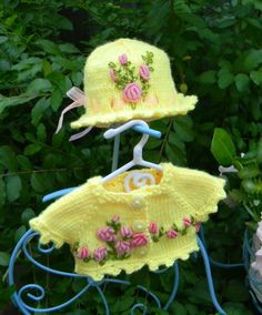 """Yellow  Embroidered Sweater and Hat fits 13"""" Effner Little Darling"""