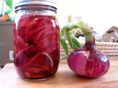 (Tangy) Pickled Red Onions
