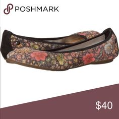 Hush Puppies Chaste Floral Ballet - Size 9 I bought these and just don't reach for them! They are so cute and comfy! Would look adorable with leggings, skinny jeans, shorts...you name it. Only worn once! Bundle and make an offer!! Hush Puppies Shoes Flats & Loafers
