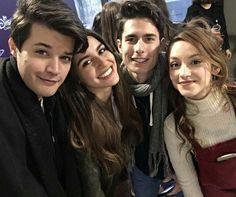 Beautiful Series, Netflix, It Cast, Victoria, Couple Photos, Cute, Pasta, Brazilian Models, Singers