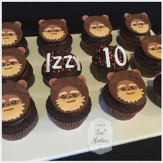 "Tina Martinez on Instagram: ""It was an Ewok party for Izzy's 10th birthday! Hope you had an amazing day! Thank you Amber #cupcakes #Ewok #ewokcupcakes #starwars…"" Star Wars Birthday, 10th Birthday, Birthday Ideas, Birthday Parties, Star Wars Baby, Ewok, Cupcake Toppers, Starwars, Fondant"