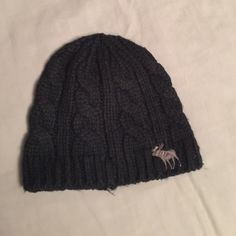 8d2bb20d54d Abercrombie kids woven beanie Boys woven navy blue beanie hat. Worn but in  good condition