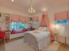 perfectly appointed girls room.  check out the ceiling!  gorgeous!!!