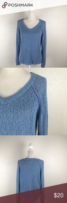 Sun & Shadow Loose Knit V-Neck Sweater Size small open knit Sun & Shadow Sweater. Good used condition: Sun & Shadow Sweaters V-Necks
