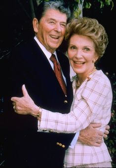 PRESIDENT Ronald Reagan & First Lady Nancy Reagan