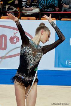 Amo questo body! Maria Titova Hoop 2013 - Black Swan