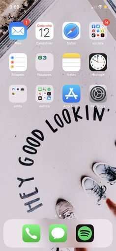 Organize Phone Apps, Whats On My Iphone, Safari, Iphone Layout, Phone Organization, Homescreen, Telephone, Iphone Wallpaper, Wallpapers