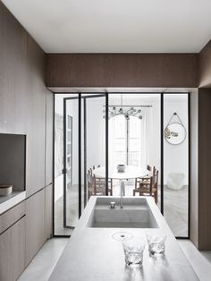JR Apartement by Nicolas Schuybroek Architects