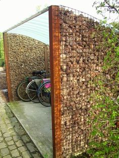 Amazing Shed Plans - lots of things to do with all of those stones! Now You Can Build ANY Shed In A Weekend Even If You've Zero Woodworking Experience! Start building amazing sheds the easier way with a collection of shed plans! Garden Fence Panels, Diy Fence, Garden Privacy, Backyard Privacy, Fancy Fence, Privacy Screens, Cheap Garden Fencing, Cheap Privacy Fence, Privacy Landscaping