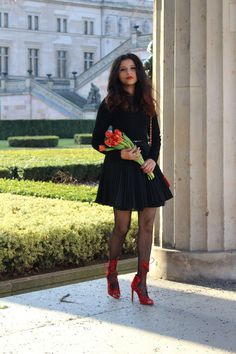 Hello Everyone, I hope you all had a perfect last weekend of february. As Berlin is getting gradually warming up because soon spring is starting. Spring season has been always my favouriteseason, I can't just stop myself styling with shades of pink, blue, orange all bright colour.   #red an black