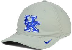 College basketball fans are always on the court with this Nike NCAA H86 Vapor cap. This Dri-FIT cap features a high crown, firmly-shaped bill and the Kentucky Wildcats logo at the front. High crown Structured fit Normal bill Flat embroidered team logo at front Stitched Nike swoosh logo at bill Patch brand logo at back Adjustable velcro closure at back Polyester Spot clean only