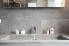 Inspireras av hundratals badrum. På Hemnet Inspiration kan du bläddra bland utvalda bilder på bostäder som är till salu. Relaxing Bathroom, Bright Bathroom, Interior Inspiration, Bathroom Decor, Deep Sink, Home Decor, Sink, Bathroom Design, Bathroom