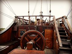 Resultado de imagem para deck and cabin pictures of tall ships Poop Deck, Pirate Boats, Pirate Decor, Whitewater Kayaking, Wooden Ship, Pirate Life, Canoe Trip, Treasure Island, Tall Ships