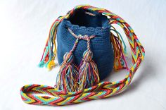 WAYUU BAG – Mini Mochila. Handwoven by a woman from the Wayuu Tribe. Blue & Osonushi. www.colombiart.co