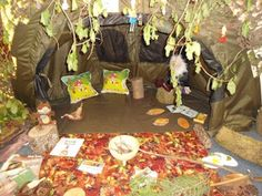 Displaying the potential of the outdoors inside — Creative STAR Learning Class Displays, School Displays, Communication Friendly Spaces, Book Corners, Reading Corners, Role Play Areas, The Gruffalo, Outdoor Classroom, Classroom Ideas