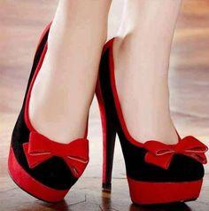 squeeeeeeeeee!!!!! those shoes are to die for