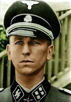 SS-Brigadeführer und Generalmajor der Waffen-SS Kurt Meyer:  12th SS-Panzer Division Hitlerjugend