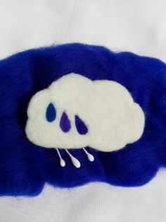Hey, I found this really awesome Etsy listing at https://www.etsy.com/listing/545464856/sky-tears-cloud-brooch-with-rain-drop