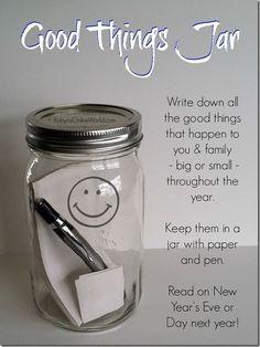 """Da Elizabeth Gilbert, autrice dello splendido libro Eat Pray Love ho preso questa idea che spero di portare avanti per tutto il 2016, lei l'ha definito Happiness in a jar project, io l'ho semplicemente ribattezzato in italiano """"Barattolo della felicità""""."""