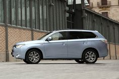 #Mitsubishi #Chile #OutlanderPHEV #PlugInHybrid #SUV #SaleDelCamino www.outlanderenchufable.cl Mitsubishi Outlander, Outlander Phev, Vehicles, Car, Drive Way, Automobile, Cars, Vehicle, Autos