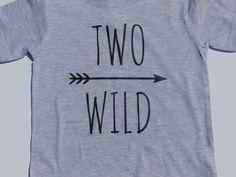 Zwei Wild zweiter Geburtstag Shirt mit Pfeil von TripleMCreationsFl