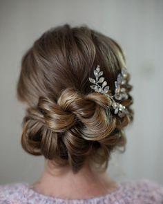 Beautiful braid updo wedding hairstyle inspiration #weddinghair #hairstyle #hairideas #bridalhair #frenchchignon #messyupdo #braids #braidupdo #braided #updohairstyles