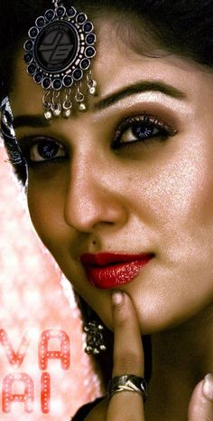 South Indian Actress Hot, Indian Actress Hot Pics, Beautiful Girl Indian, Most Beautiful Indian Actress, Beautiful Bollywood Actress, Beautiful Actresses, Nayanthara Hairstyle, Nayantara Hot, Oily Face
