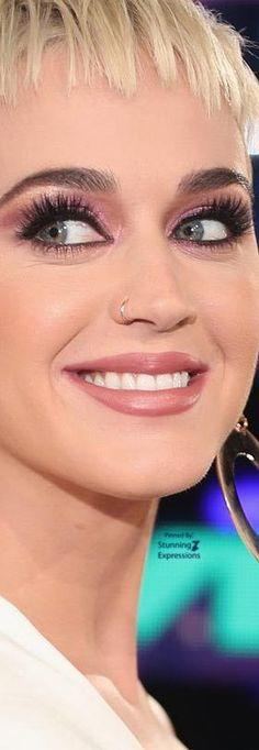 Katy Perry in Sthephane Rolland – MTV VMAs 2017