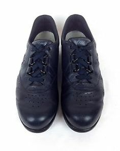 Women's  SAS Free  9.5 N (narrow)  Navy Tripad Comfort Lace Up Leather  Shoe