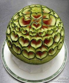 watermelon art - lovely for a green themed wedding! | matrimonio scultura di anguria bellissima! perfetto per il tema verde...