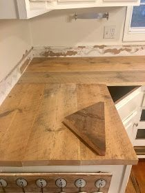 DIY Wood Countertops The Long Awaited Home: DIY Reclaimed Wood Kitchen Countertops Sizing Up Siding: Reclaimed Wood Countertop, Diy Wood Countertops, Reclaimed Wood Kitchen, Salvaged Wood, Cheap Kitchen Countertops, Kitchen Cabinets, Repurposed Wood, Kitchen Worktop, Kitchen Sinks