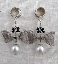 Wedding Dangle Plugs Tunnels with Bows. SO CUTE I MUST HAVE ALL OF THE DANGLE PLUGS.