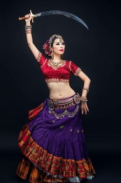 54 Ideas Belly Dancing Photography Dancers For 2019 Danza Tribal, Tribal Belly Dance, Tribal Fusion, Indian Classical Dance, Country Dance, Indian Beauty Saree, Belly Dance Costumes, Dance Fashion, Estilo Boho