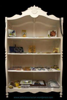 Restauramos y decoramos cualquier mueble. Construimos pequeños objetos de madera. Consultar precio. Visita nuestra tienda en: Mercado de Abastos En La Granja de San Ildefonso.