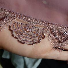 Embroidery Scarf, Needle Lace, Purses, Diamond, Bracelets, Jewelry, Instagram, Embroidery, Tejidos