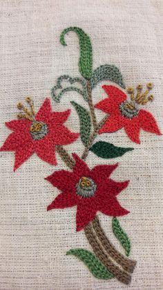 Keçe nakışlar Keçe nakışları Tambour Embroidery, Blackwork Embroidery, Learn Embroidery, Hand Embroidery Stitches, Embroidery Art, Floral Embroidery Patterns, Japanese Embroidery, Hand Embroidery Designs, Bordado Floral