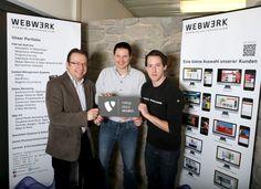 TYPO3 ist eines der bekanntesten Content Management Systeme (#CMS). Seit Februar 2014 hat #WEBWERK als einzige Kärntner Online-Agentur den Goldpartner-Status! WEBWERK-Geschäftsführer Günther Steinwender freut sich mit seinen zertifizierten #TYPO3-Mitarbeitern David Prodinger und DI Patrick Rainer (von links).