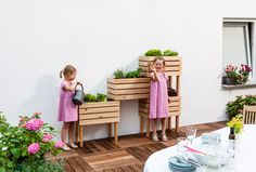Modulares Hochbeet selber bauen: Anleitung Build a modular raised bed yourself: Instructions Herb Garden Design, Small Garden Design, Raised Garden Beds, Raised Beds, Terrasse Design, Yard Furniture, Pallets Garden, Balcony Design, Backyard Projects