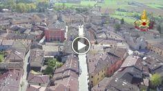 Nelle immagini girate con un drone dai Vigili del Fuoco, quel che resta della Basilica di San Benedetto, a Norcia, dopo il violento terremoto che...
