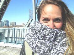 Foulard Infini gris  Grey infinity scarf par echarpesetbelles, $30.00 Fingerless Gloves, Arm Warmers, Infinity, Grey, Crochet, Fashion, Winter Collection, Headscarves, Fingerless Mitts