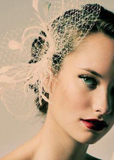 Hair Piece & Eye Make-up - I want this fascinator in black though. Vintage Veils, Vintage Wedding Hair, Wedding Hair Clips, Wedding Hair Pieces, Wedding Veils, Vintage Bridal, Vintage Birdcage, Headpiece Wedding, Vintage Updo