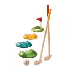 Mini golf is een all-time favourite. Je kinderen zullen er dol op zijn! Deze set op kindermaat bevat 2 golfclubs, twee houten balletjes en uitdagende hindernissen. Perfect voor in de tuin of in de...