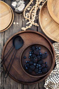 Iso puutarjotin - Tummanruskea - Home All Large Wooden Tray, Wooden Bowls, Large Tray, Estilo Interior, Home Interior, Interior Design, Casa Loft, Back To Nature, Hm Home